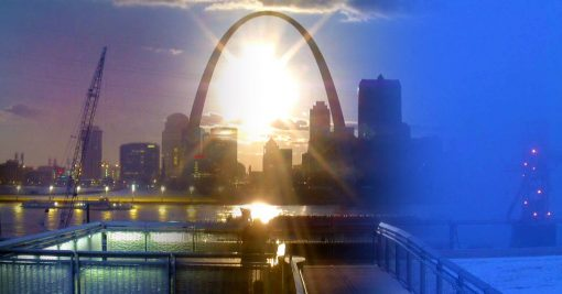 This Gateway Arch photo gallery shows downtown Saint Louis throughout all seasons